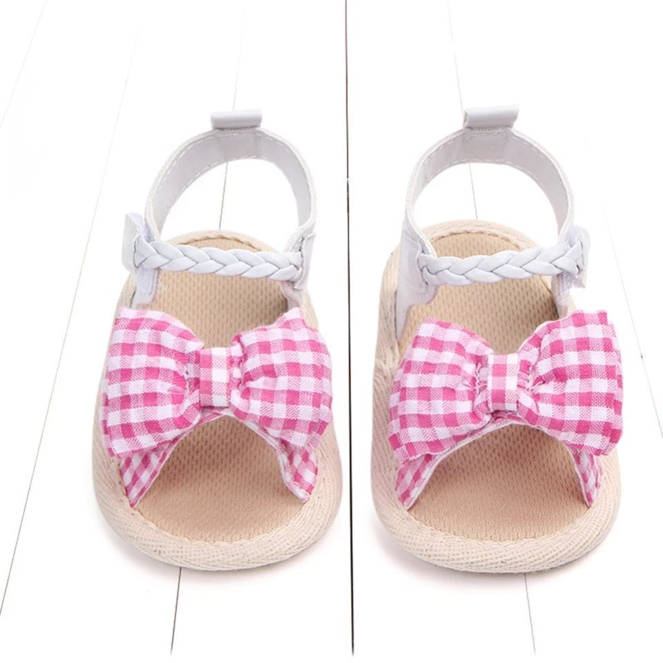 Picture of Checkered Bow Prewalker Shoes For Baby Girls